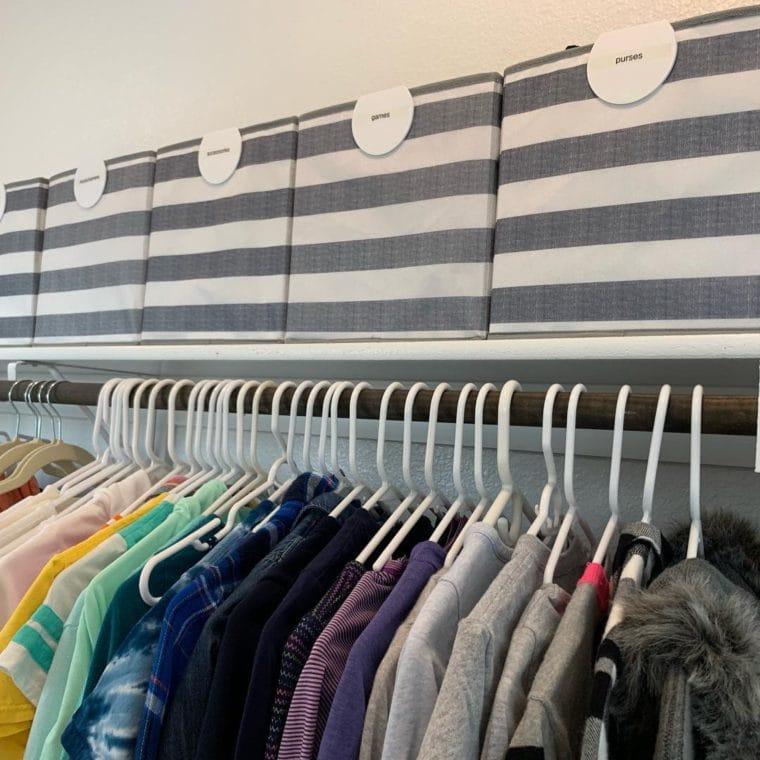 clothes hanger organization