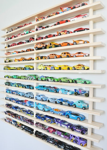 Wall Display to Park Toy Cars