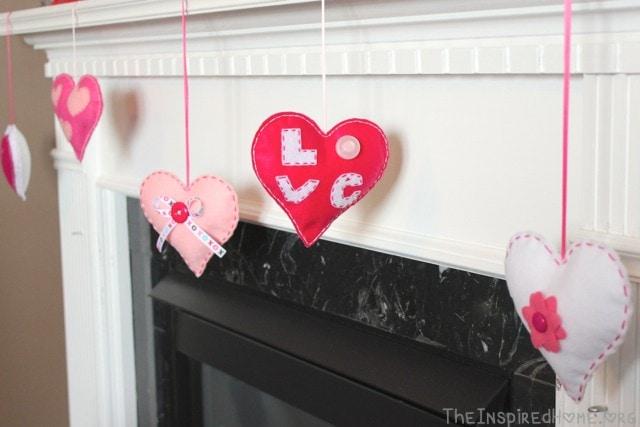 Pillowy Felt Hearts