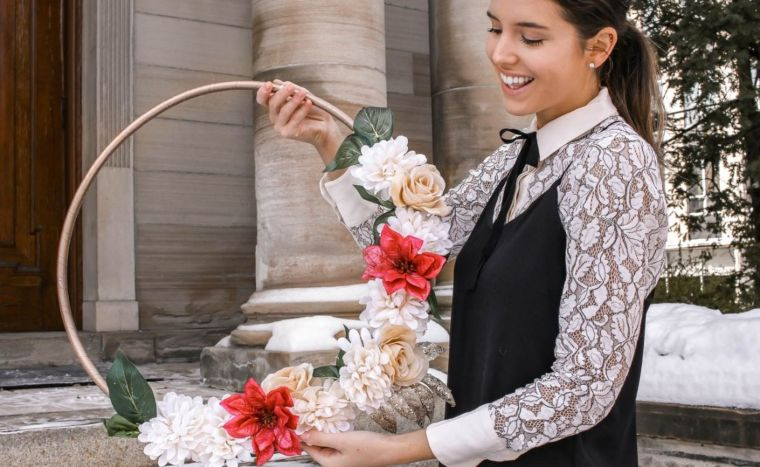Dollar Store Minimalistic Wreath