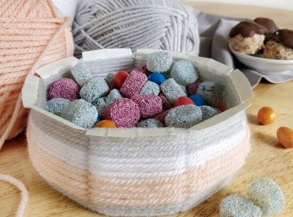 diy bowl with yarn