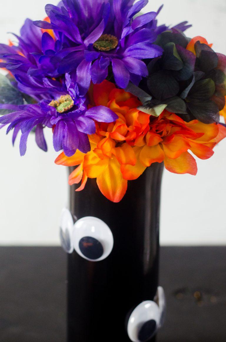 Gloogly Eye Vase