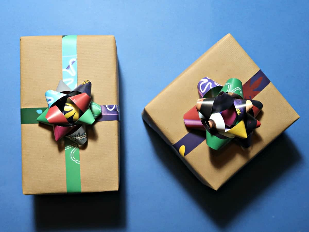 Recycled Gift Bows