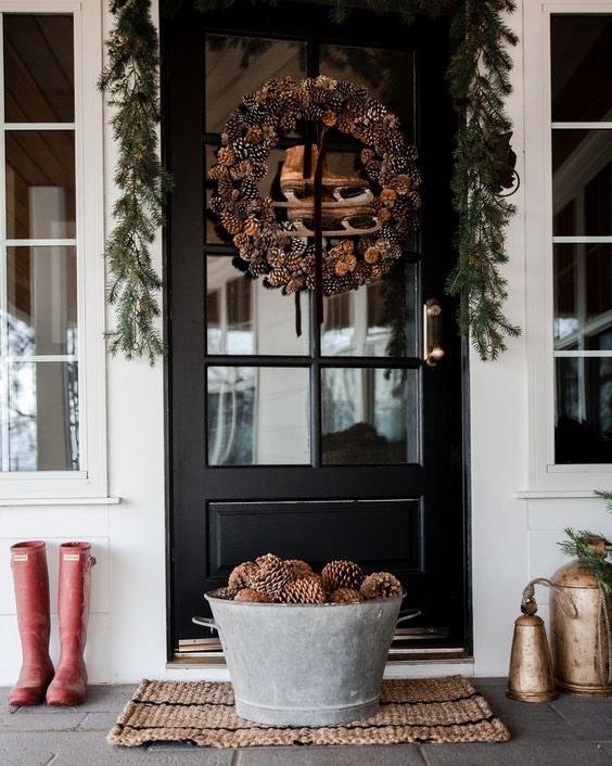farmhouse pinecone decorations