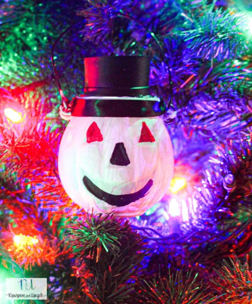 Solar Powered Christmas Ornament