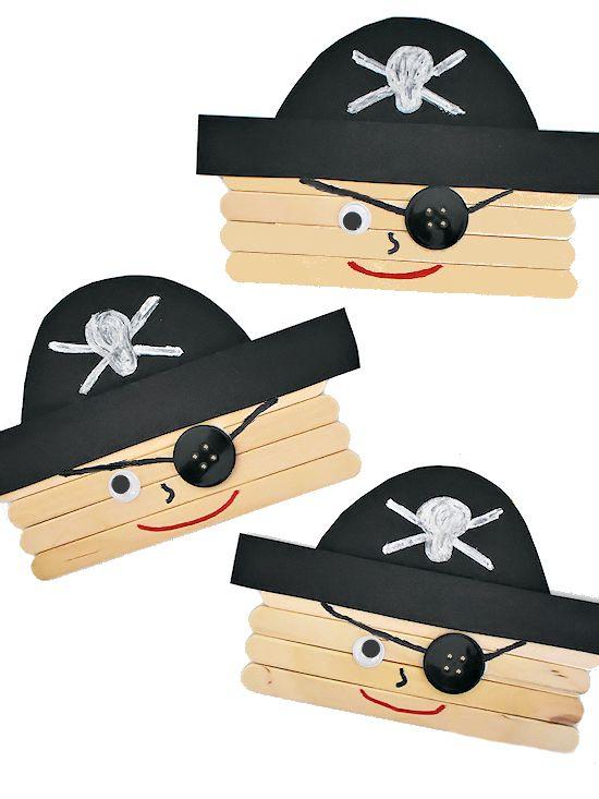 Popsicle Stick Piratencrew