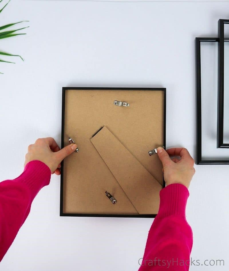 removing back of picture frame