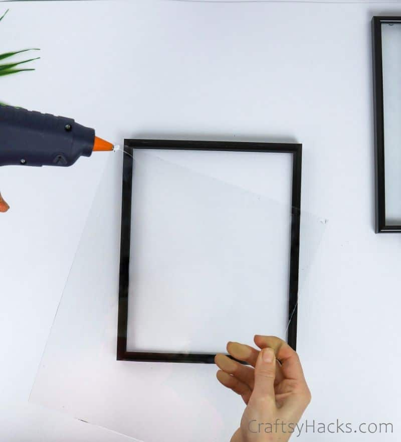 hot glueing frame glass