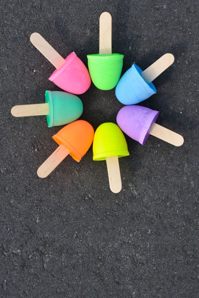 Sidewalk Chalk' Pops'