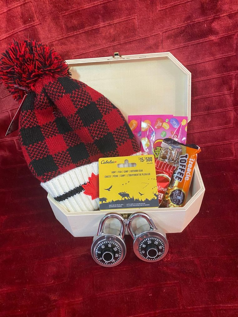 mystery game gift set