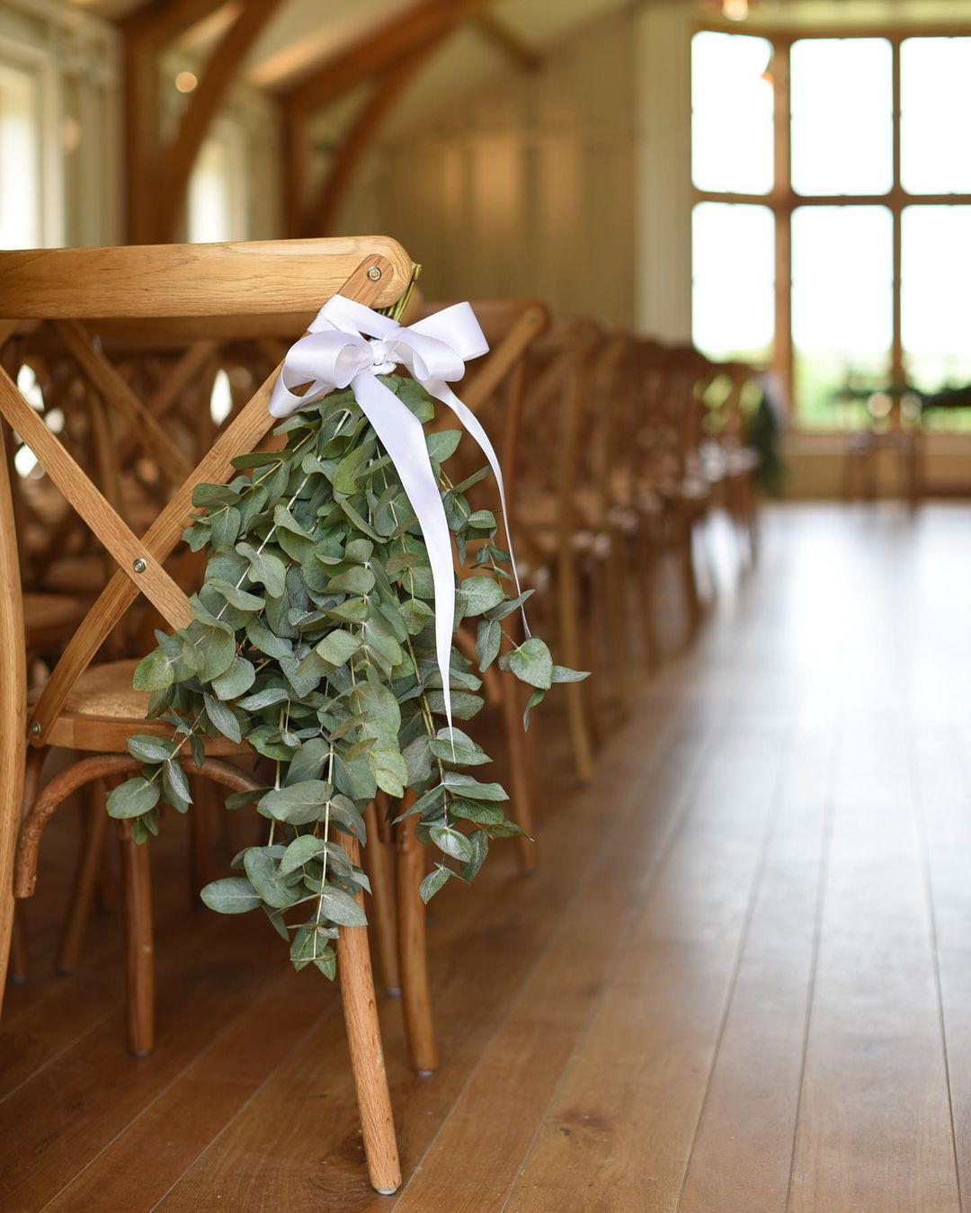 Bouquet Of Leaves Decor