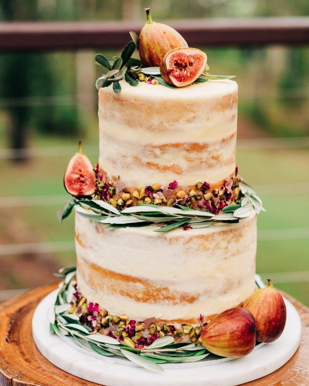 fruity fig cake