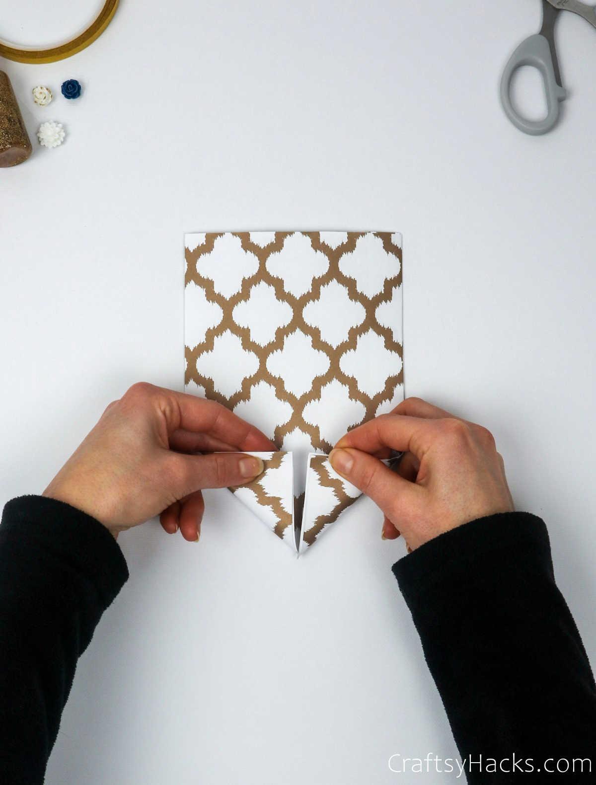 folding paper edges
