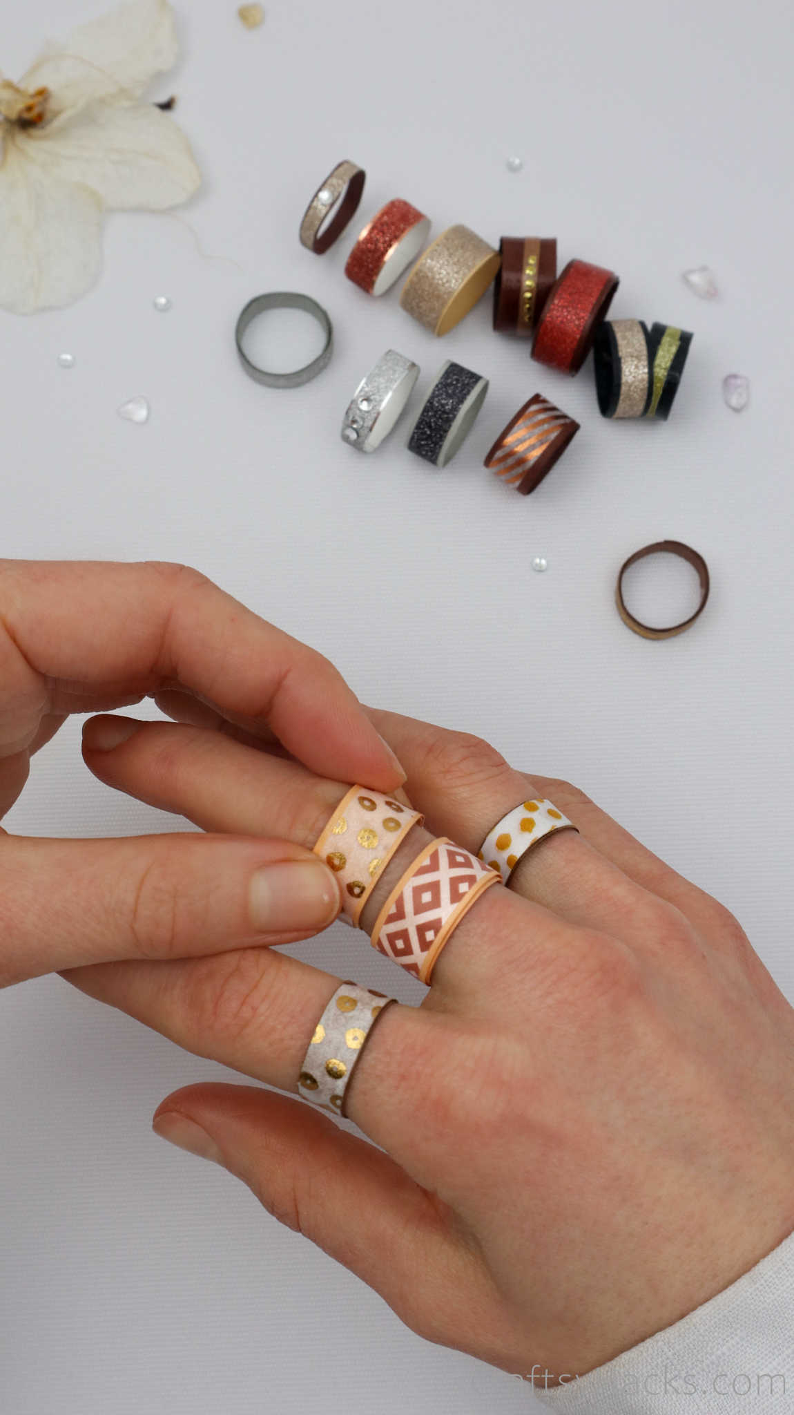 diy rings of hand