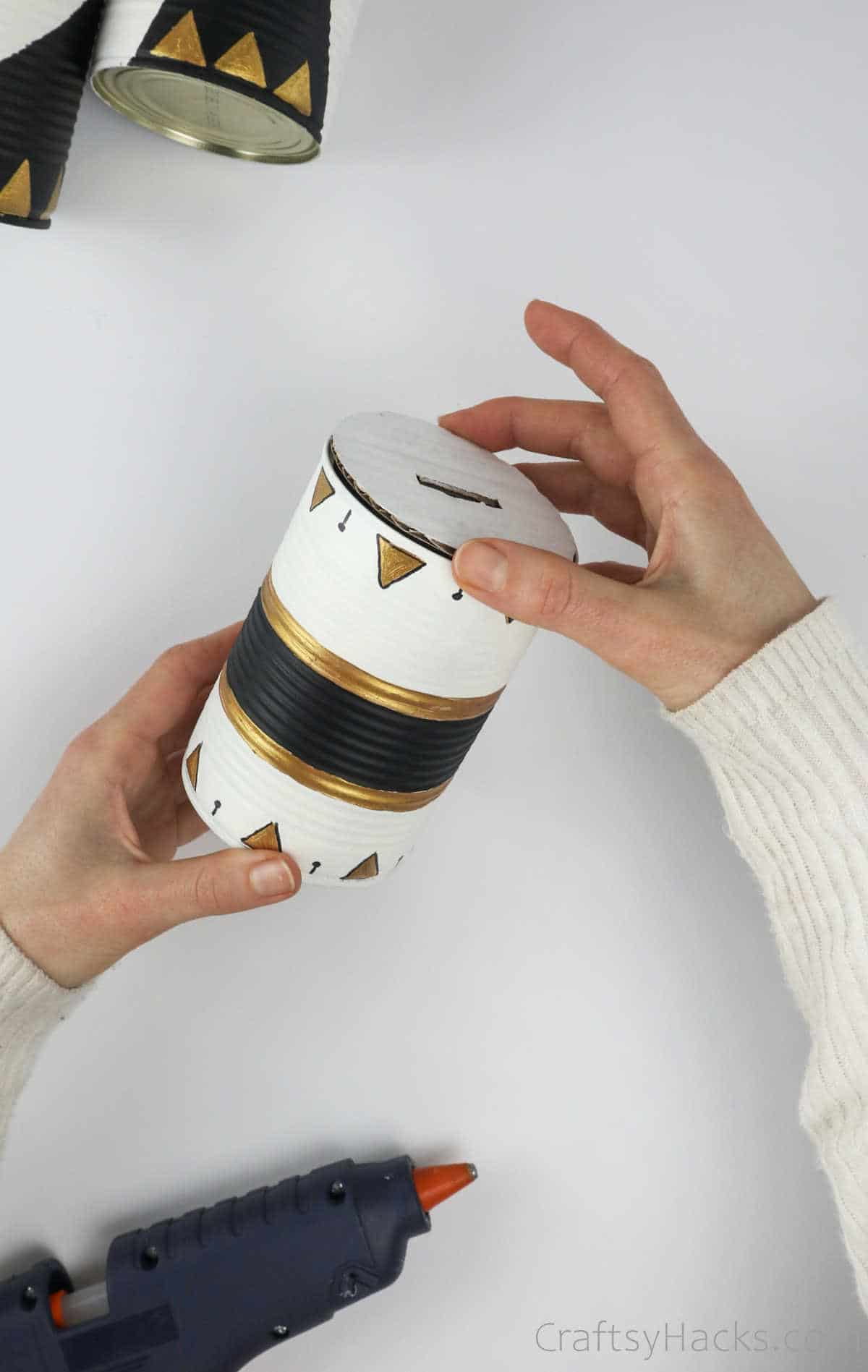 glueing lid to can