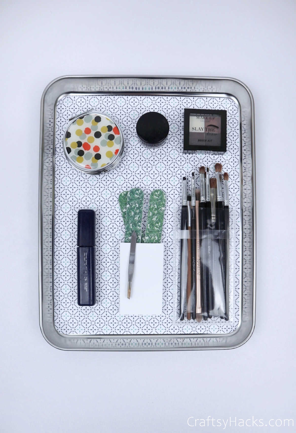 magnetic organizer with makeup accessories