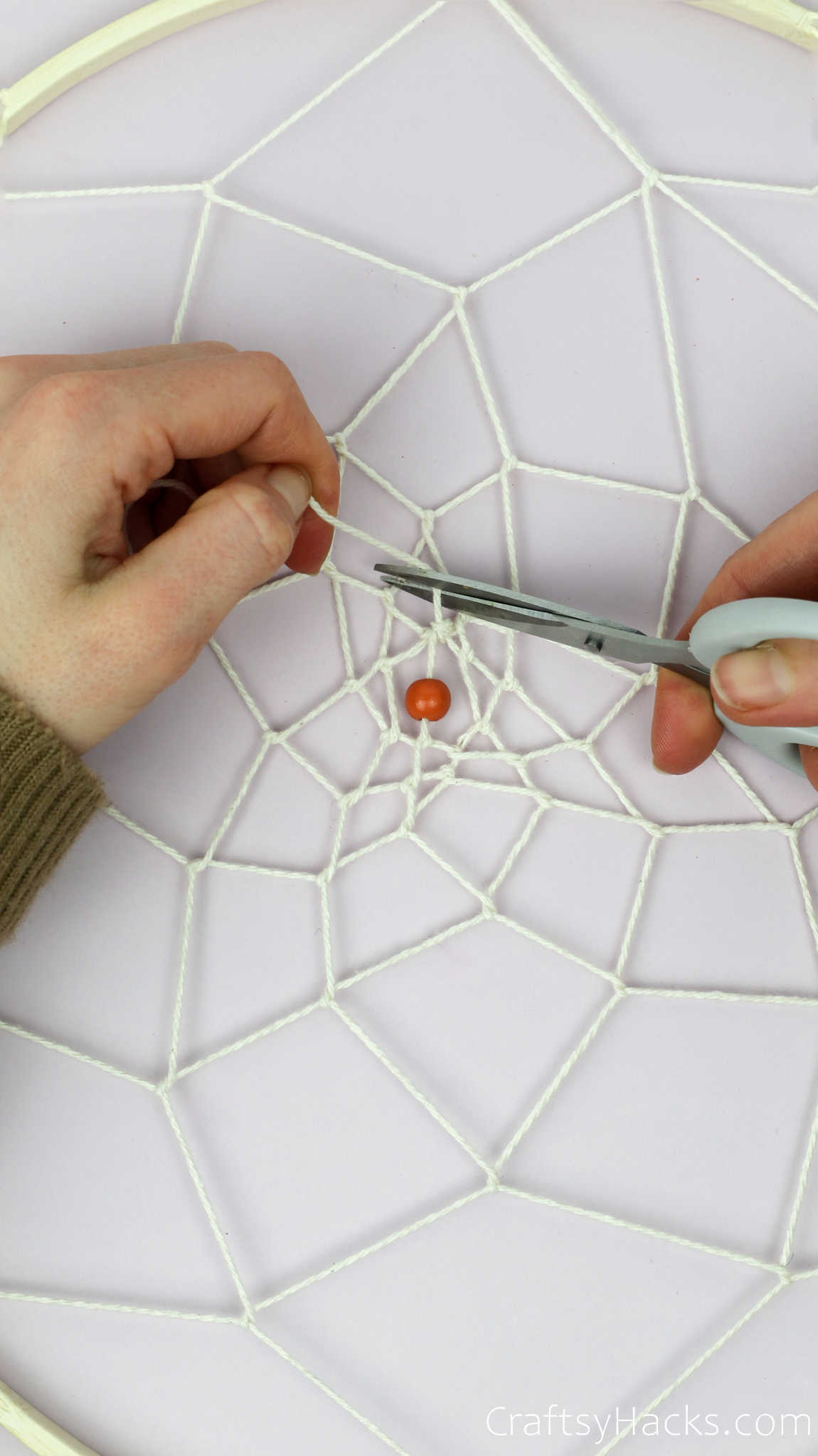 cutting end of string