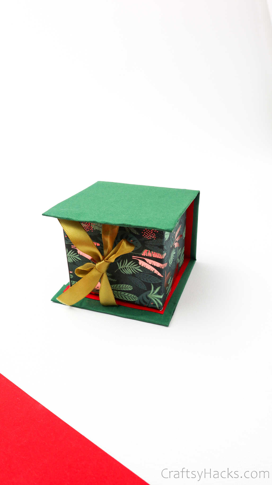 closed DIY gift box