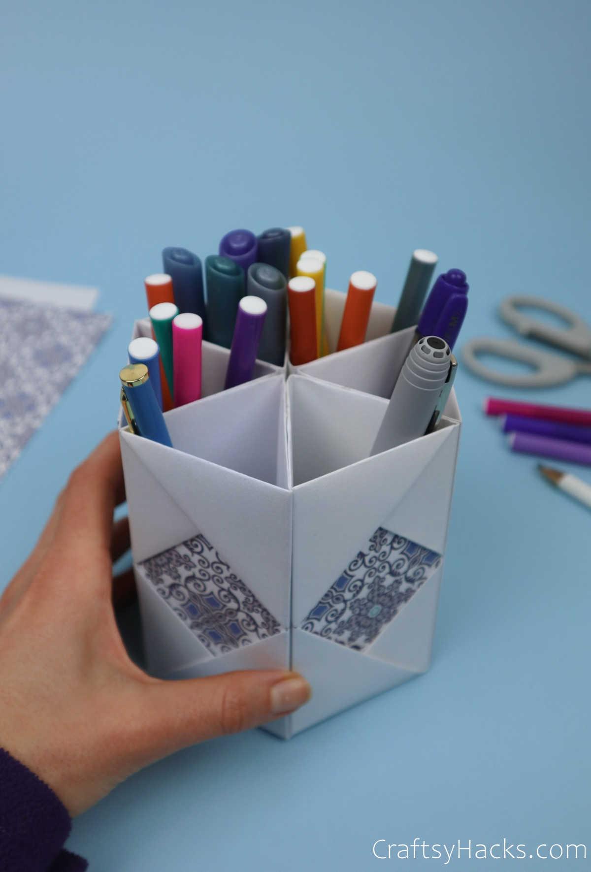 diy organizer with pens