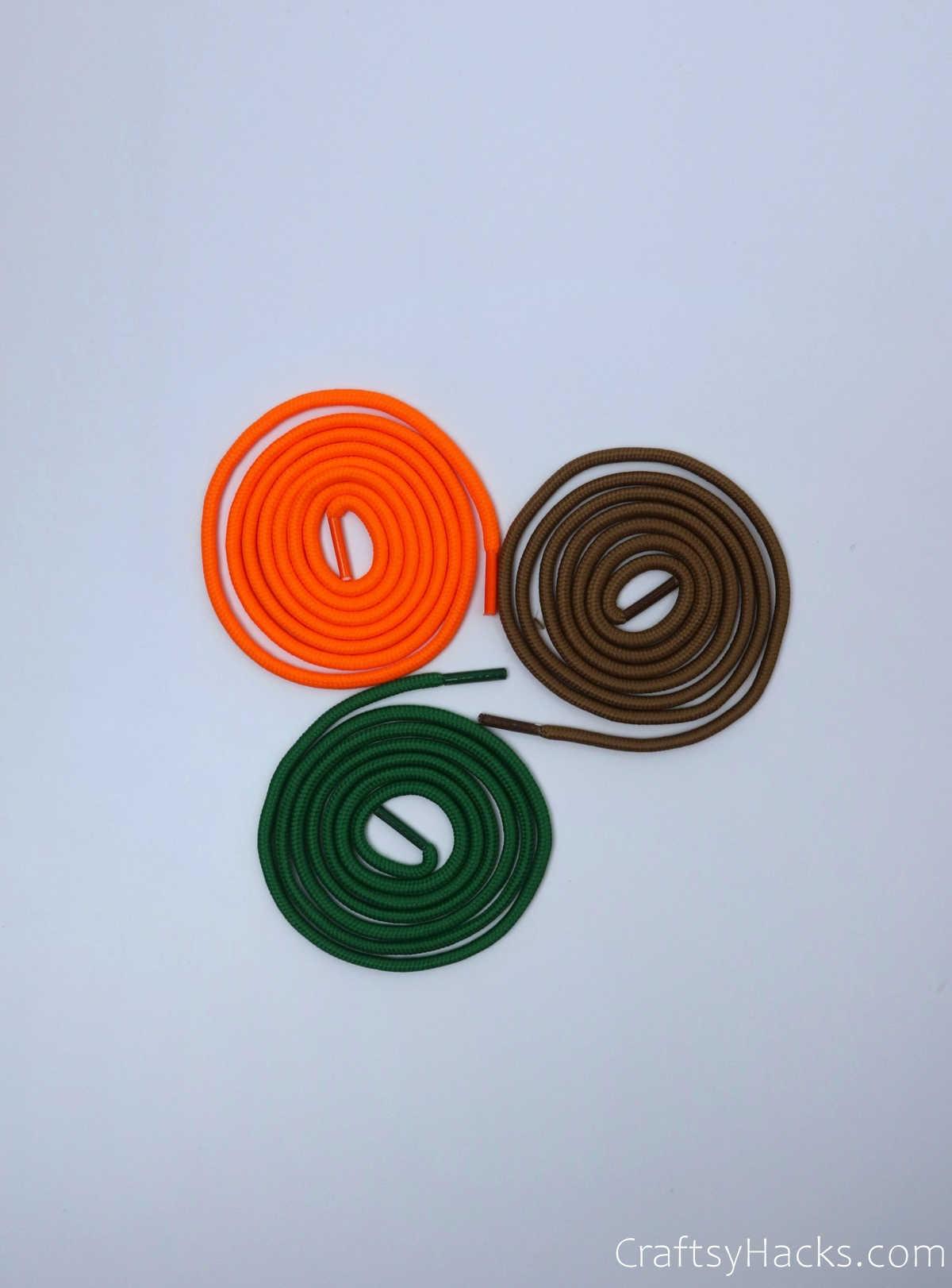 3 colours of shoelaces