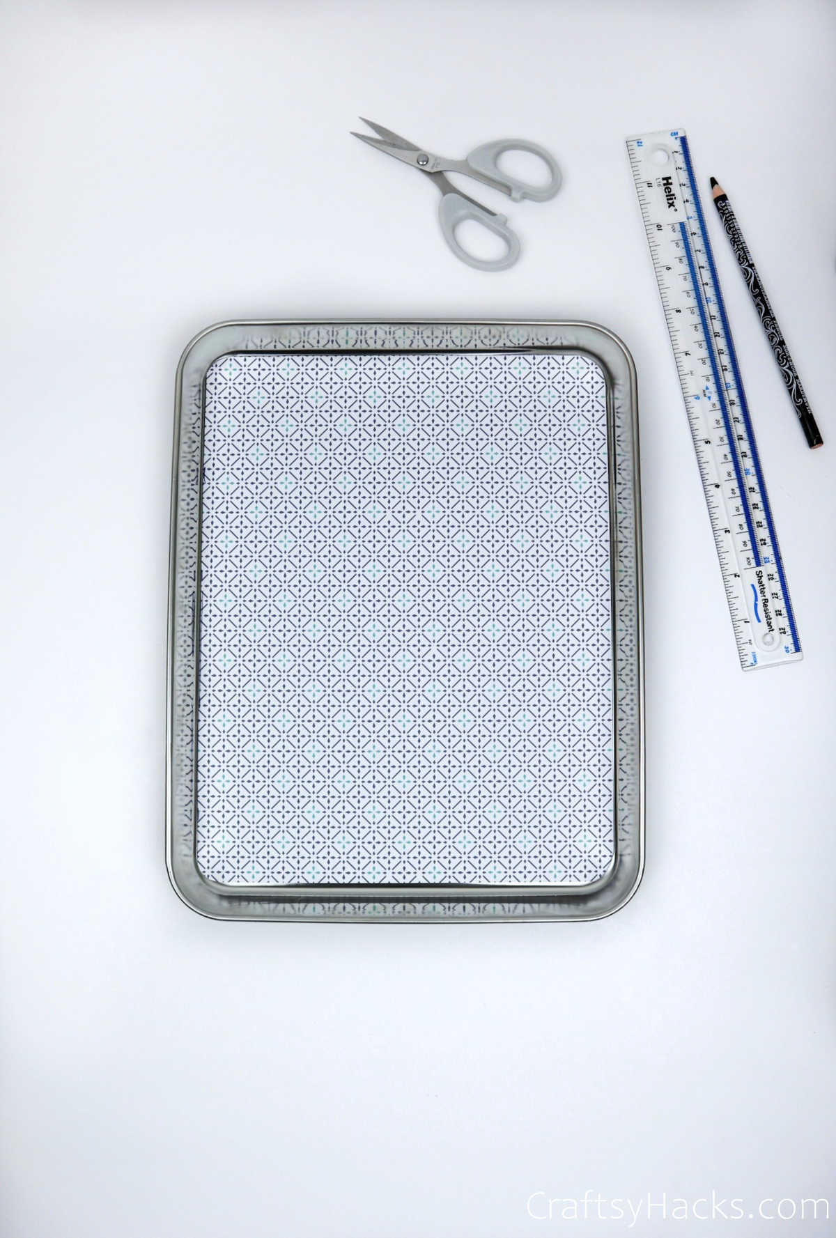 decorative paper on tray
