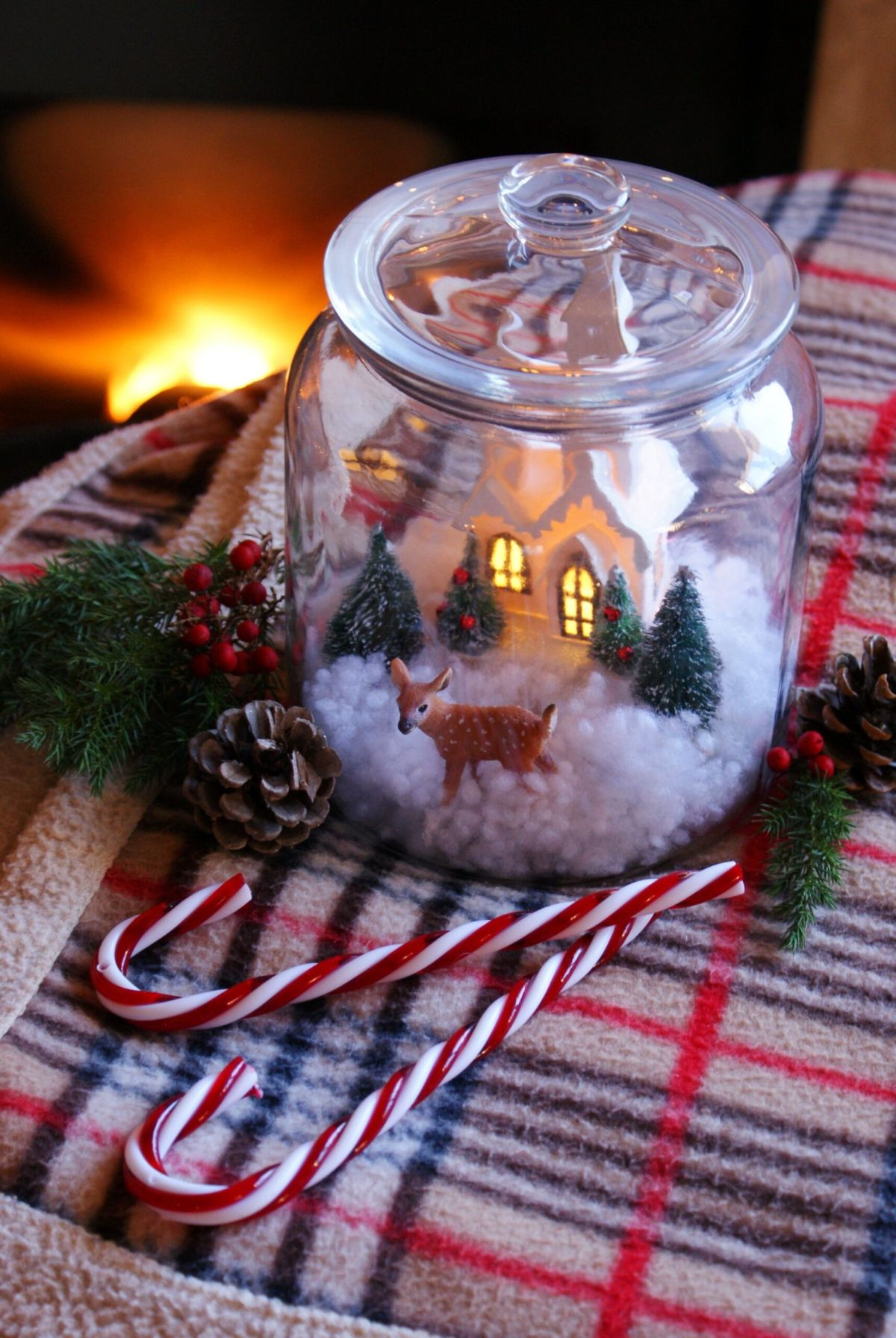 DIY Christmas Snow Scene Jar