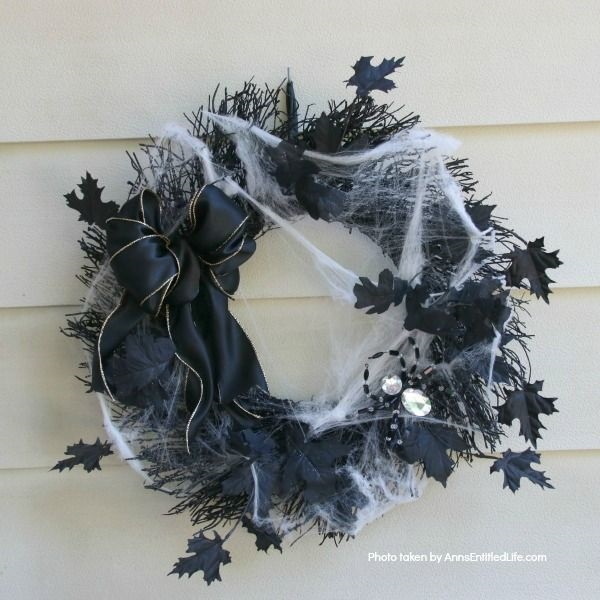 Spooky Webby Wreath
