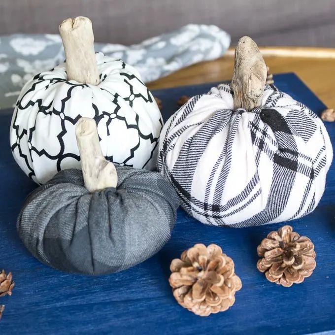 No-Sew Fabric Pumpkins
